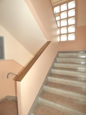 Appartement F5 De 2014. Dble  En Bon Etat De 76 M² Situe Au 1Ier Etage