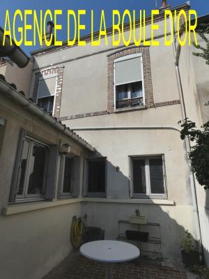 Maison De Ville De 132 M² Habitables Avec Petite Cour