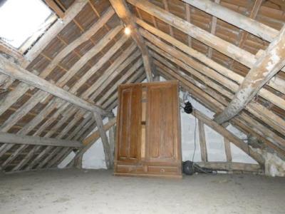 Maison De Village Mitoyenne De 138 M² En Excellent Etat