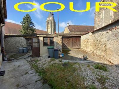Maison De Village De 130 M² En Bon Etat
