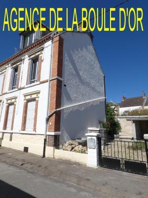 Maison De Ville En Tres Bon Etat De 101 M²