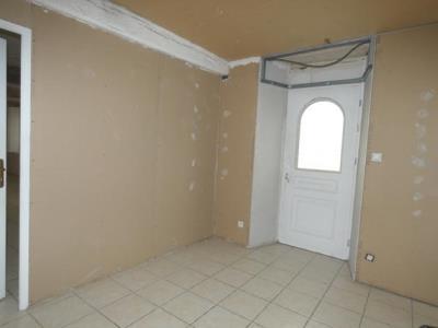 Ancienne Auberge De 297 M² En Partie Renovee Et En Partie A Renover